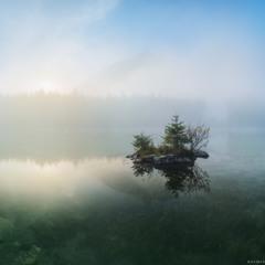 Германия. Рамзау. Утро на озере Hintersee.