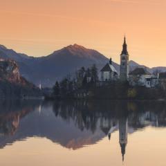 Словения. Утро на озере Блед.