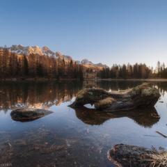 Италия. Утро на озере San Pellegrino или плыла утка.