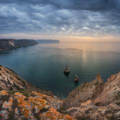 Крым. Панорама с мыса Фиолент на море и скалы Пилад и Орест.