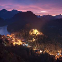 Германия. Бавария. Вид на замок Hohenschwangau и озеро Alpsee