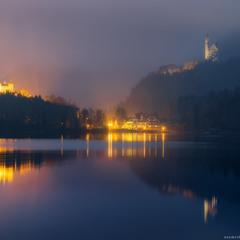 Германия. Бавария. Вид на замок Hohenschwangau и Neuschwanstein с озера Alpsee