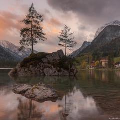Вечер на озере Hintersee. Германия.