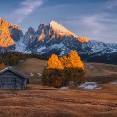 Италия. Доломиты. Осенний вечер на плато Alpe di Siusi
