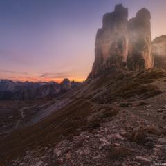Италия. Доломиты. У горы Tre Cime di Lavaredo на закате