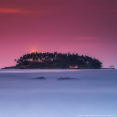 Шри Ланка. Маяк на острове Barberun у берегов Beruwala