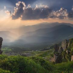 Карпаты. Перед закатом у горы Поп Иван