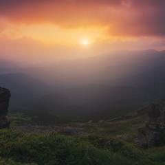 Карпаты. Закат солнца над Черногорским хребтом