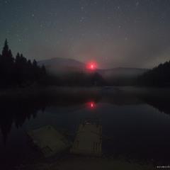Закарпатье. Ночь на озере Синевир