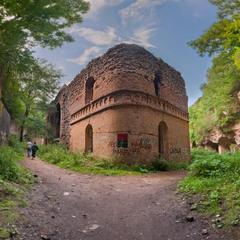 Старовинний форт