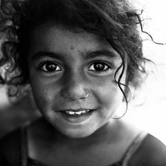 Маленькая непальская девочка