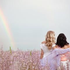 ...на земле только и разговоров,что о радуге...