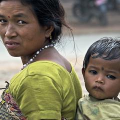 Мама с ребенком, Непал