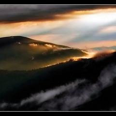 Когда горы укрываются облачной дымкой