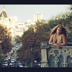 а в Киеве осень