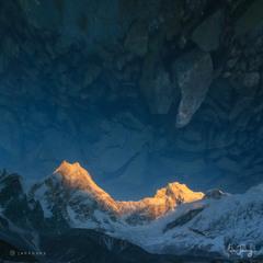⚠️ REFLECTION ⚠️ IN THE LAKE (Manaslu, 8,156 m)