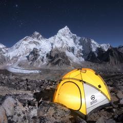 А из нашего окошка видно Эверест немножко / Ночь на вершине Кала Паттар (5 643 м)