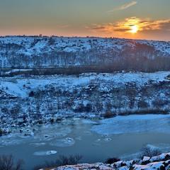 Зимовий вечір над Бугом...