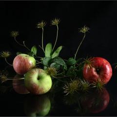 Три яблучка