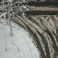 """""""А за окном, то дождь, то снег..."""" (с)"""