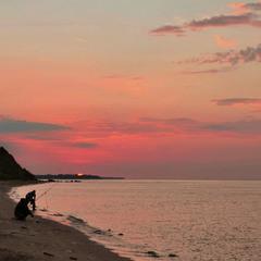 Рибалки на сході сонця