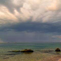 Дощ над морем