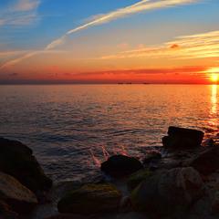Море на закате солнца