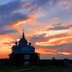 Церквушка на закате