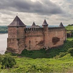 Хотинская крепость после дождя
