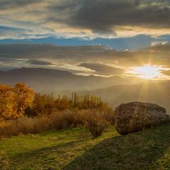 Осенний закат золотой