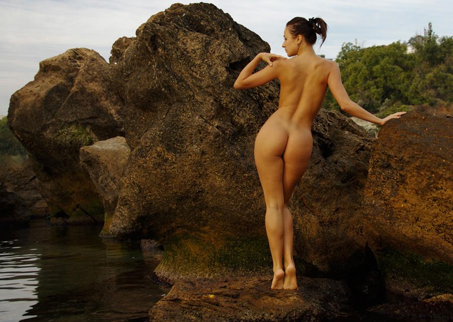 ne-postanovochnoe-obnazhenie-zhenshin-porno-foto-golih-transvestitov