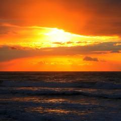 Оранжевое небо.