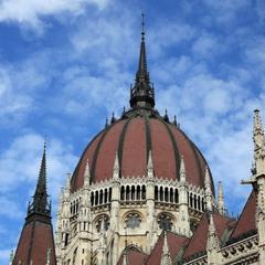 Купол венгерского парламента.
