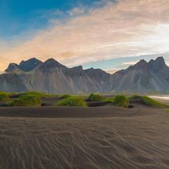 Рассвет на мысе Стокснес, Исландия.