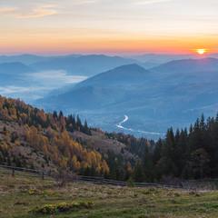 Схід сонця над Верховиною.