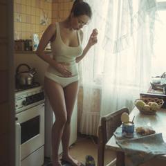 Пора на диету, вот только пончик доем )