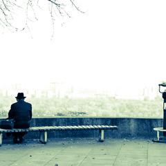 Одинокий человек и его альтер эго