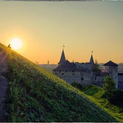 Рассвет над Каменец-Подольским. Медитация