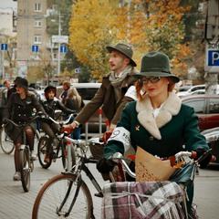 Осень, девушки, велосипеды...