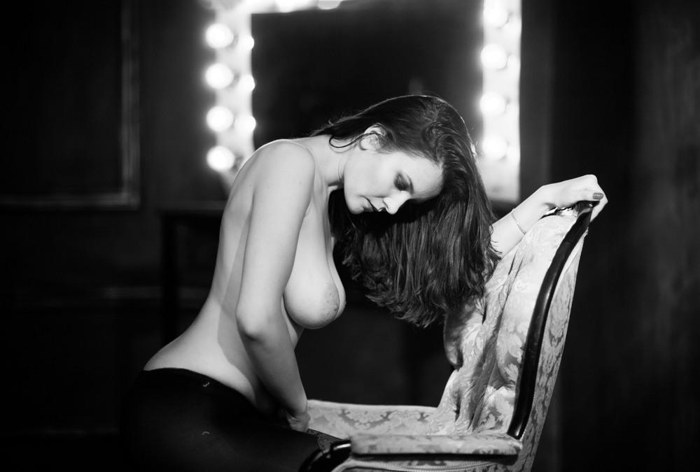 когда женщина лучший сайт эротичных картинок касается экзотической