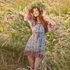 Красуня у полях, де пахнуть трави запашні!