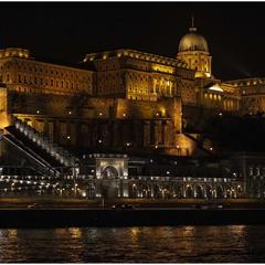 Королівський палац в Будапешті