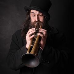 А по вечерам Анархист играет на трубе...