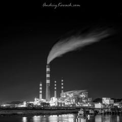 Ночной Индустриальный пейзаж