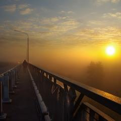 По мосту утром