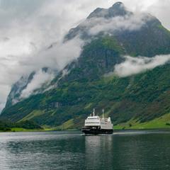 Кораблик , который плывет в страну чудес