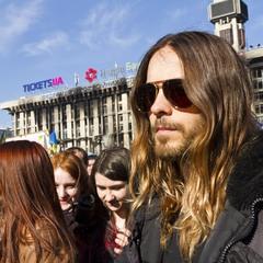 """Вокаліст гурту """"30 Seconds to Mars"""", актор Джаред Лето відвідав Майдан. Ще на церемонії вручення «О"""