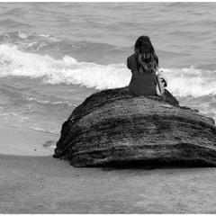 Слушая песни моря.