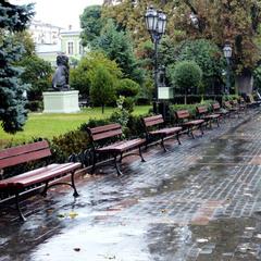 На Дерибасовской дождит...