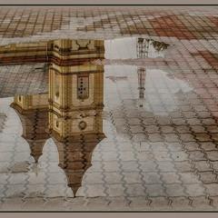 Віддзеркалення старовинного міста